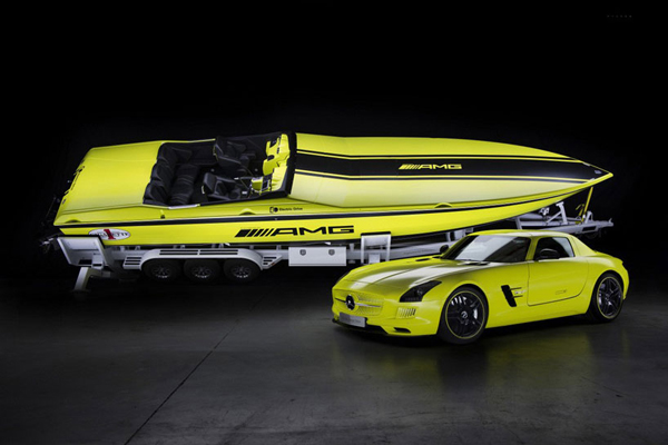 electric speedboat
